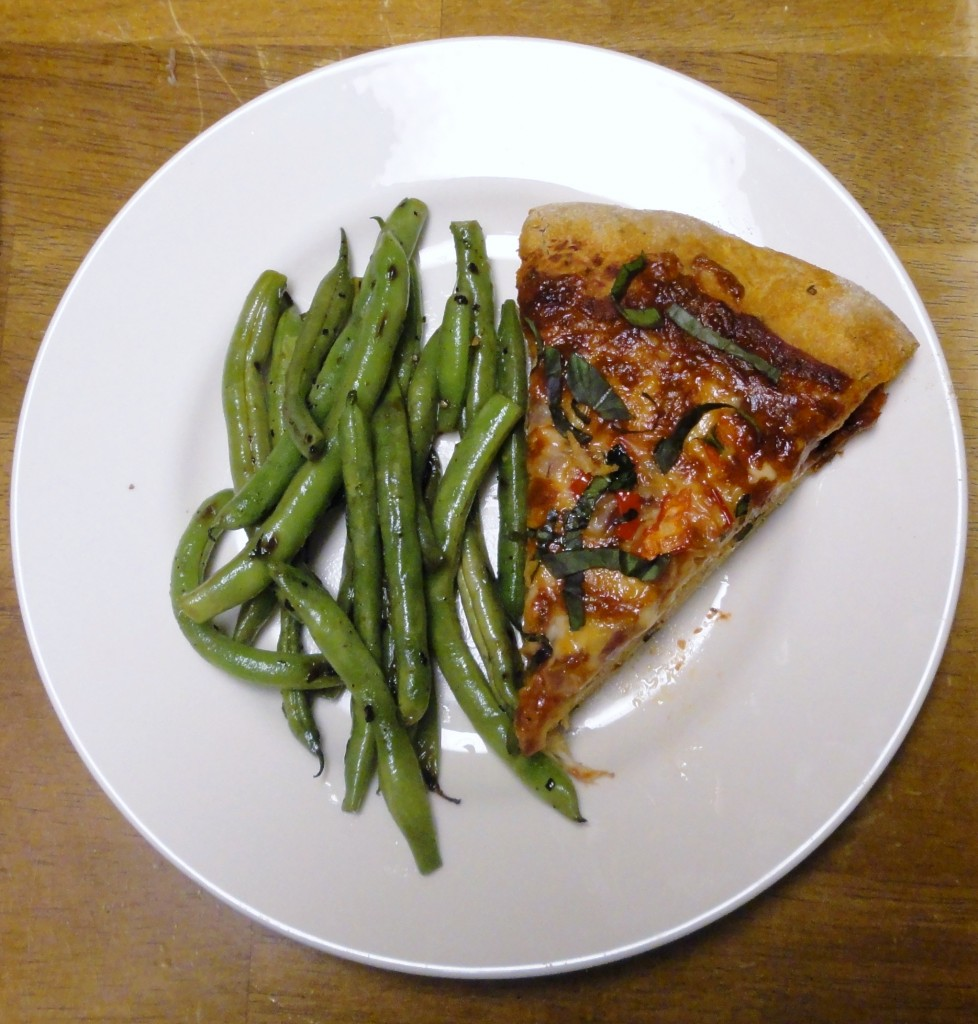Red Onion and Sweet Pepper Pizza with Sauteed Green Beans