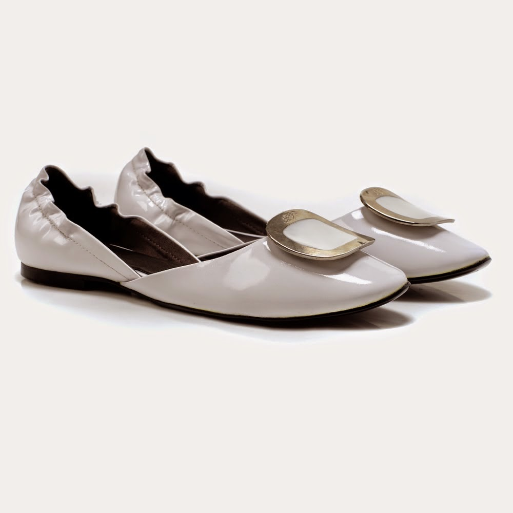 Roger Vivier White Cut-out Flat Ballets Flats.JPG