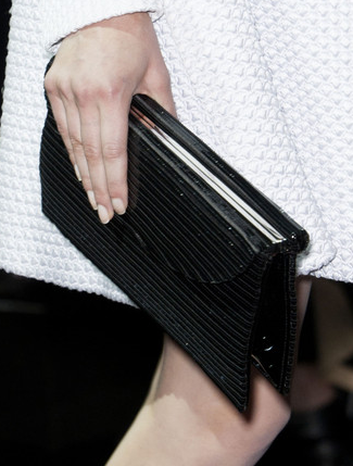 armaniprivéclutch.png