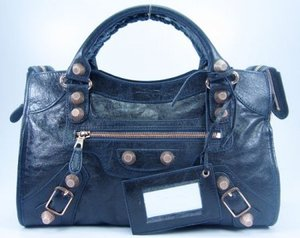 balenciaga-giant-city-bag-in-light-blue-profile.jpg