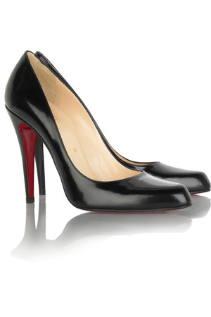 christian-louboutin-decollete-leather-pumps-profile.jpg