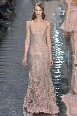 elie-saab-couture-spring-2010-sequins-profile.jpg