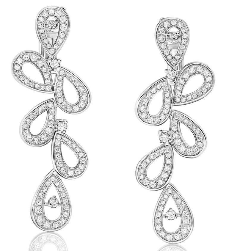 montblanc_collection_princesse_grace_de_monaco_petales_de_rose_motif_earrings_107971.jpg__760x0_q75_crop-scale_subsampling-2_upscale-false.jpg