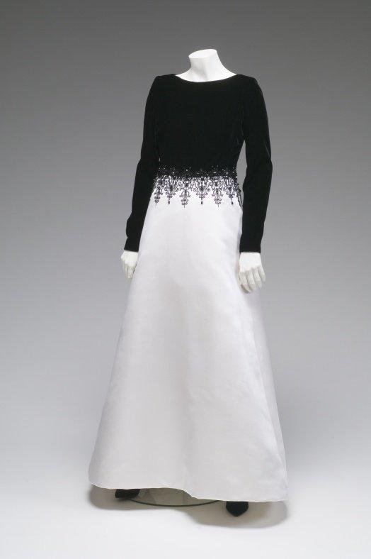 oscar-de-la-renta-evening-gown.jpg__524x0_q85_subsampling-2.jpg