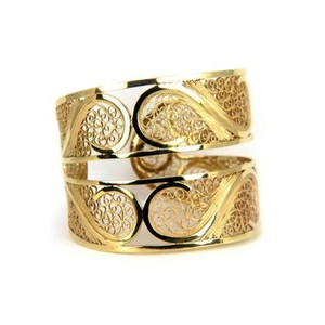 arabel-lebrusan-filigree-links-bangle-profile.jpg