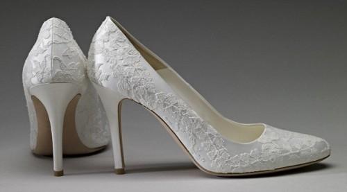 kates-wedding-shoes-wpcf_500x277.jpg