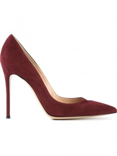 kate-middleotn-pruple-heels-wpcf_375x500.jpg