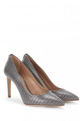 hugo-boss-kate-middleton-shoes-wpcf_330x500.jpg
