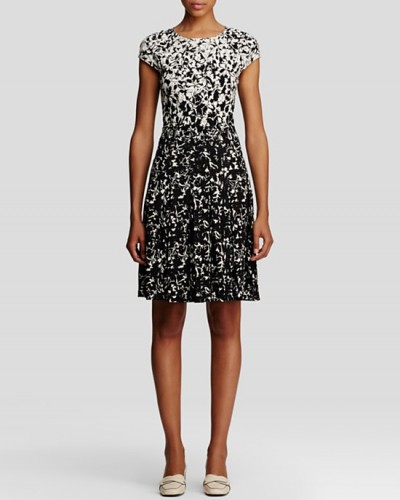 sophia-tory-burch-jersey-dress-wpcf_400x500.jpg