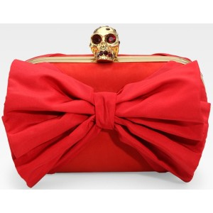 mcqueen-classic-skull-clutch-middleton-wpcf_300x300-pad-transparent.jpg