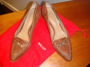bally-brown-kitten-heels-profile.jpg