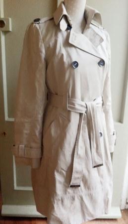 zara-beige-trench-coat-profile.jpg