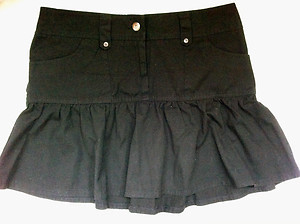 dorothy-perkins-black-mini-flippy-skirt-profile.jpg
