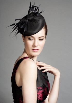 rachel-trevor-morgan-silk-taffeta-pillbox-with-claw-feathers-and-twist-profile.jpg