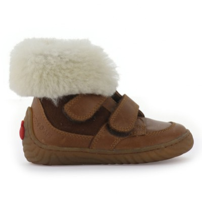 POM-DAPI-veclro-brown-leather-boots-with-a-false-fur-lining_5g8mlm.jpg