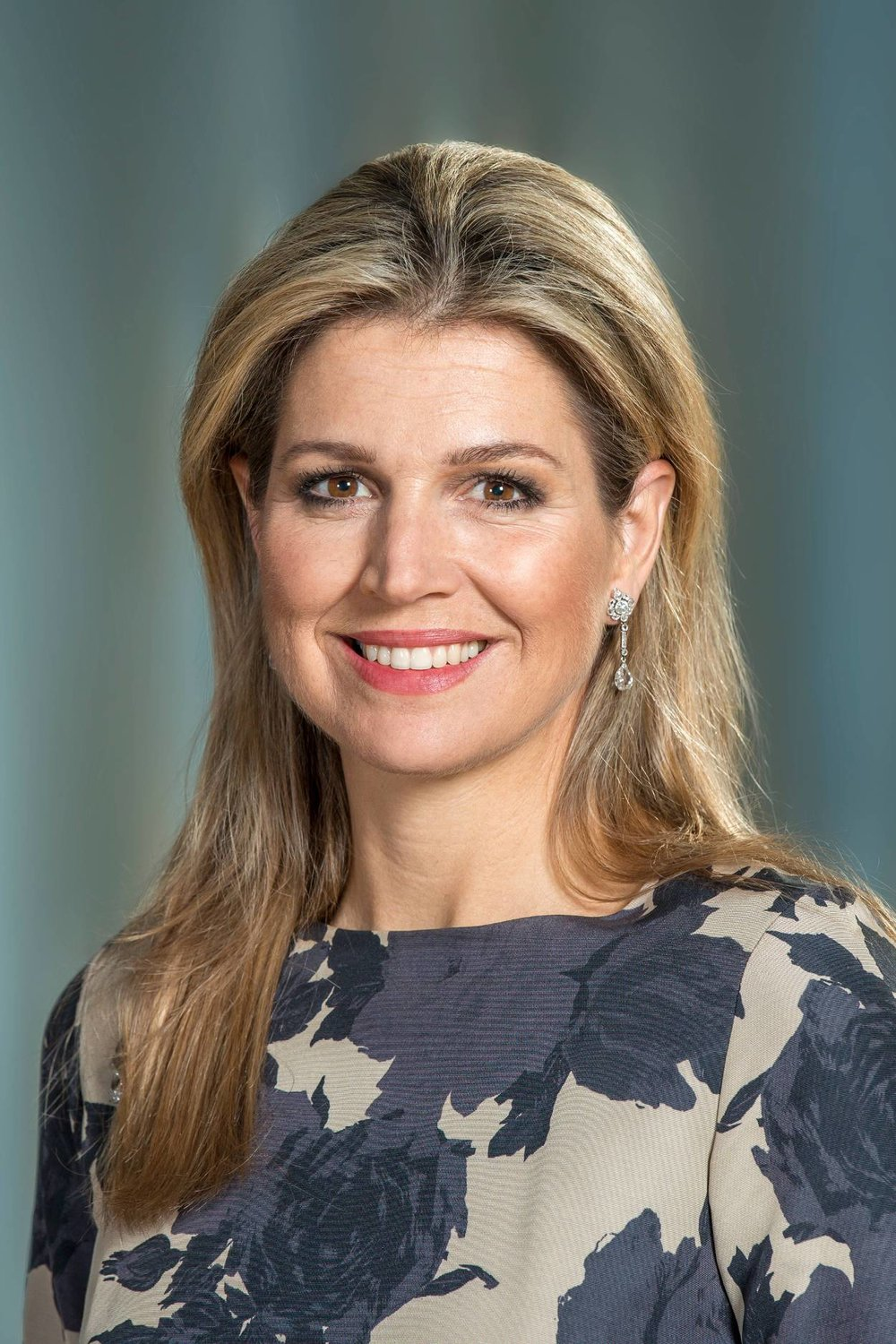 Queen Máxima - Máxima Zorreguieta Cerruti was born to Jorge Zorreguieta and María del Carmen Cerruti Carricart in Buenos Aires, Argentina, on May 17, 1971. She has two brothers and a sister, as well as two half-sisters through her mother. Máxima was educated at an English language school in Argentina and later attended Pontifical Catholic University of Argentina where she received a bachelor's degree. She earned a master's degree in the U.S.Máxima married then-Prince Willem-Alexander on February 2, 2002. She retained her Argentine citizenship and gained Dutch. She remained a Roman Catholic. The couple has three daughters: Princesses Amalia, Alexia, and Ariane.She became the Queen of the Netherlands upon her husband's ascension in 2013 after the abdication of his mother, Beatrix. (Photo: Jeroen van der Meyde/RVD)