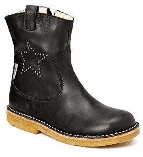 Isabella & Petit Boots.png