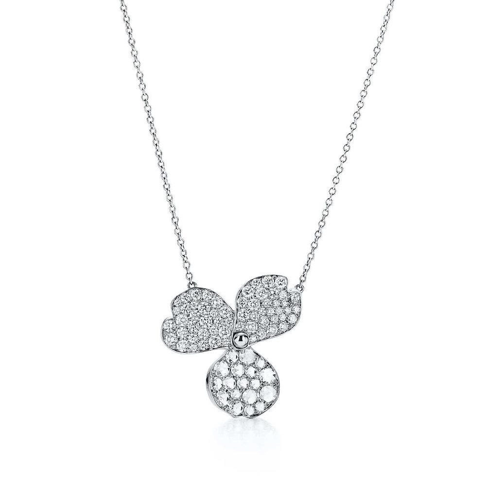 tiffany-paper-flowerspav-diamond-flower-pendant-61626077_984459_ED.jpg