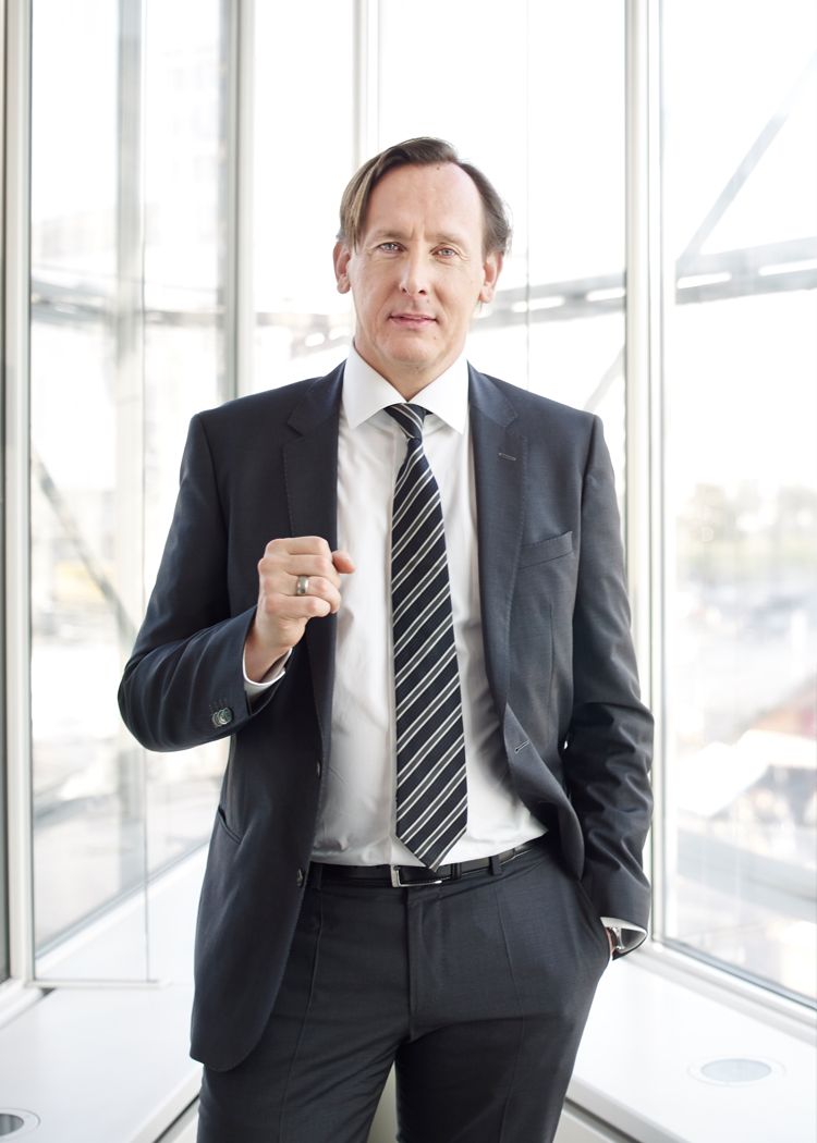 03-CEO-Portraits-Business-009.JPG