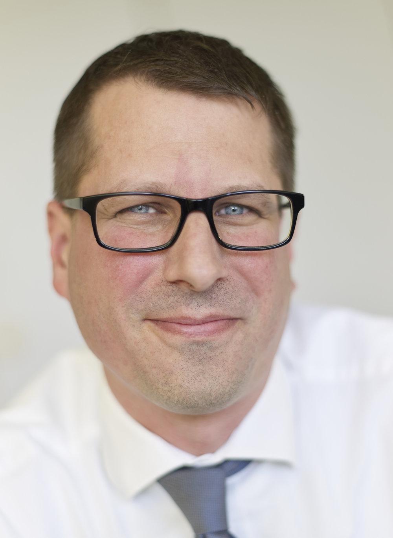 - Y5. Mr. Pangsin, Leiter: Recht, Steuer, Z�lle, Zoelle.Photo: Oliver Brenneisen / INEOS Koeln