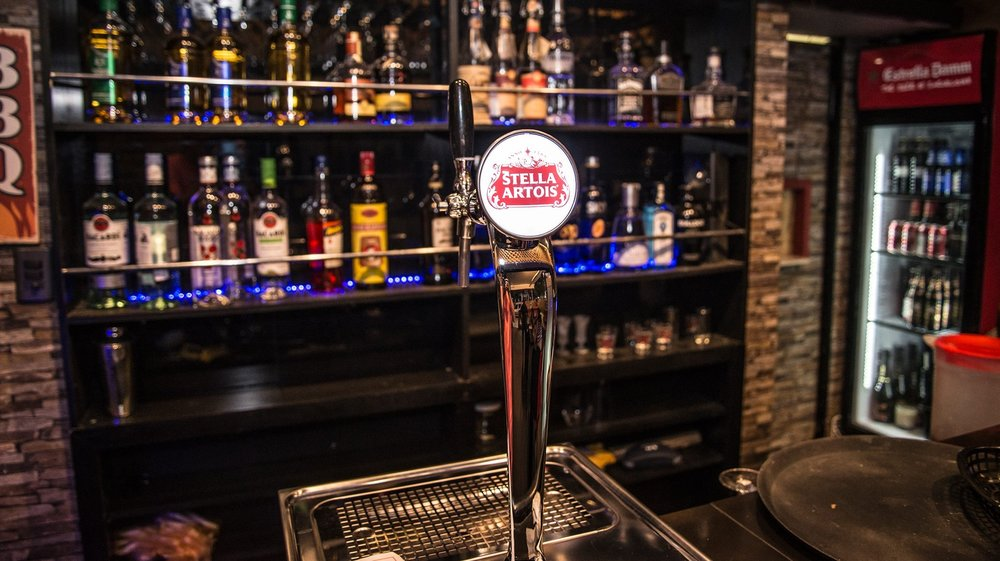 Business photography - Barclay's Pub.
