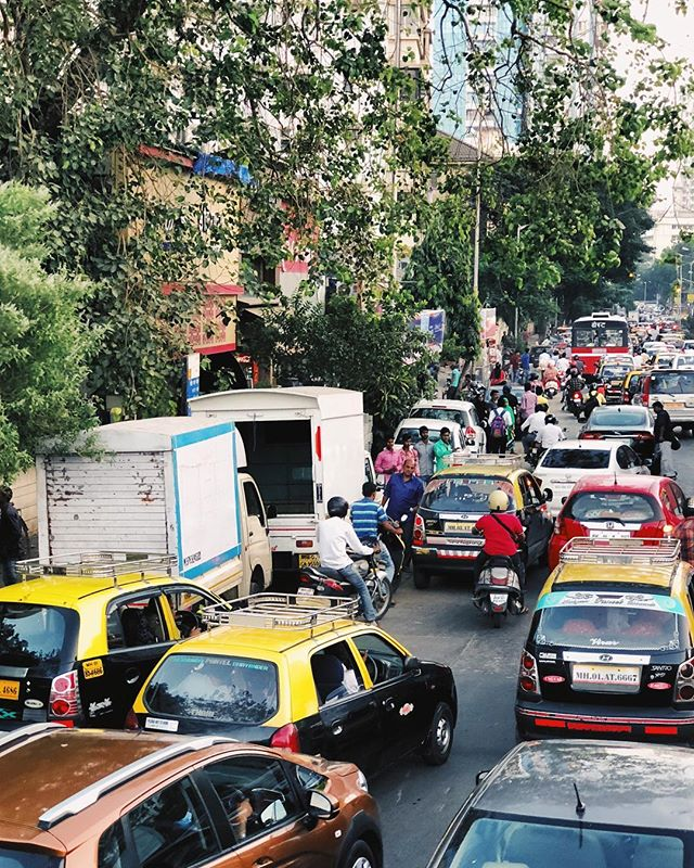 Mumbai traffic makes NYC look like a stroll in the garden 🚘🛵🚛🚗🚲