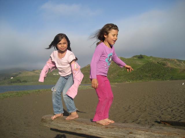 beach_kids.jpg