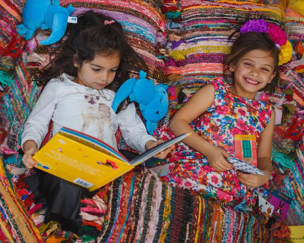 worldwide_buddies_story_box_mexico_reading_book_smiles.jpg