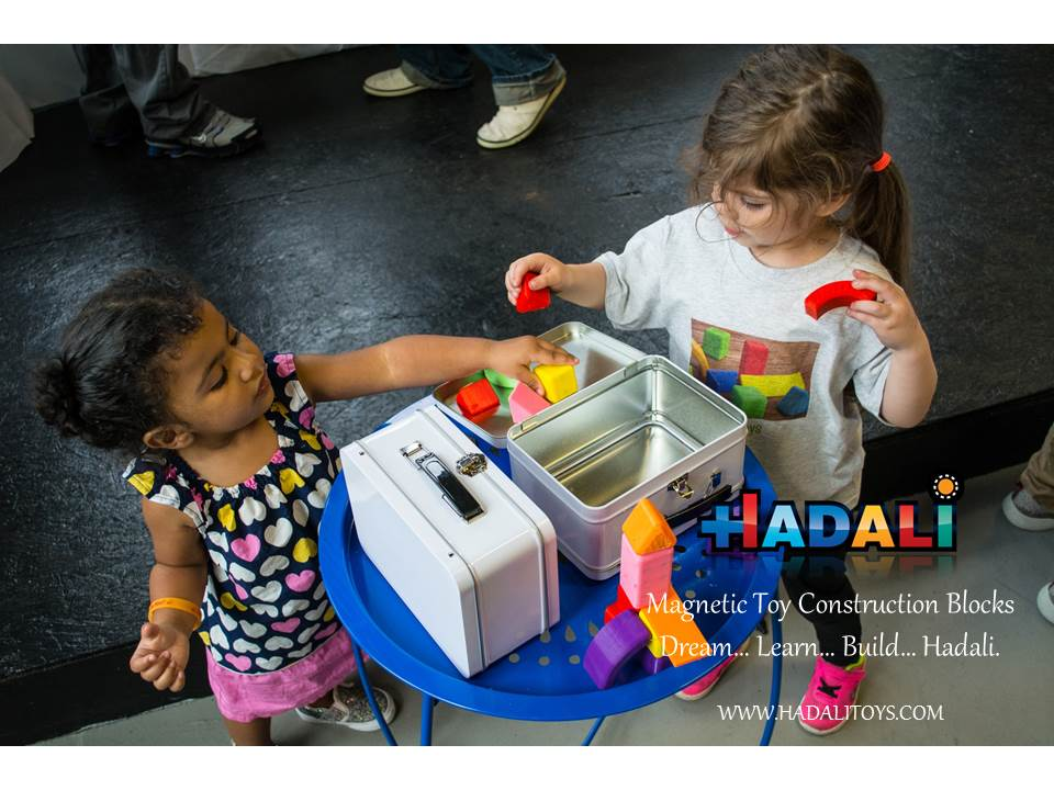 Hadali Toys - Kids come together to build together.