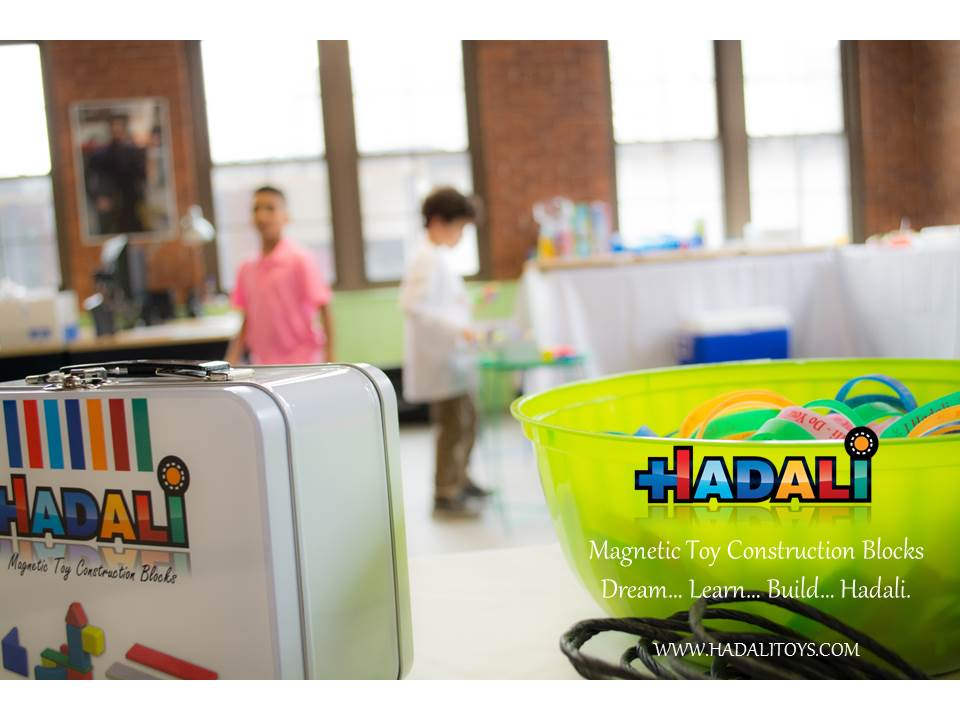 Hadali Toys - Kids in background are engaged
