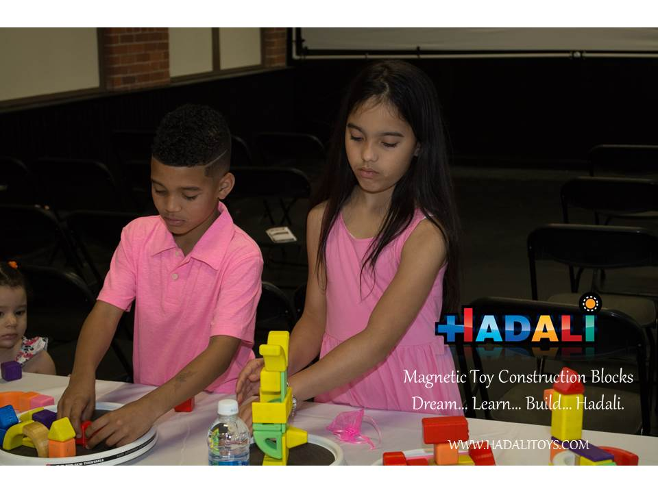 Hadali Toys - Girl and Boy collaborate.