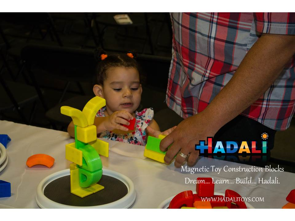 Hadali Toys - Father builds with daughter.