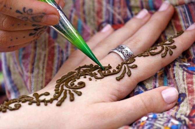 Mehndi Ceremony Description : Henna pre wedding ceremony hindu florence