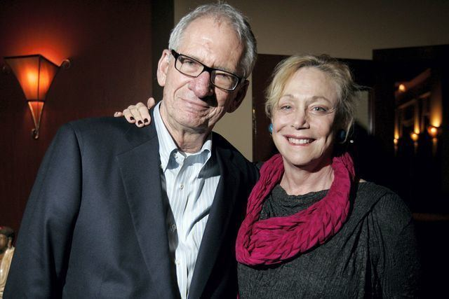 Sid and Lorraine Gary (Ellen Brody) were married for over 60 years and had two sons , Bill and Jon