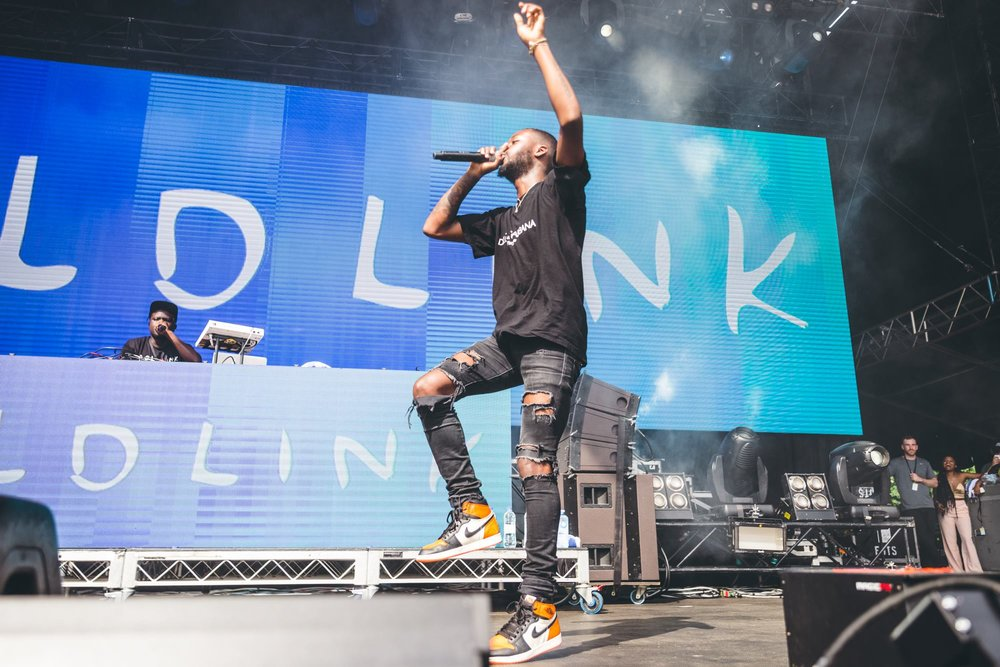 Goldlink doing the hoppity hop.