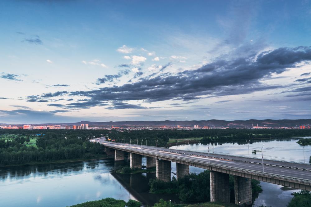 Oktyabrskiy Bridge