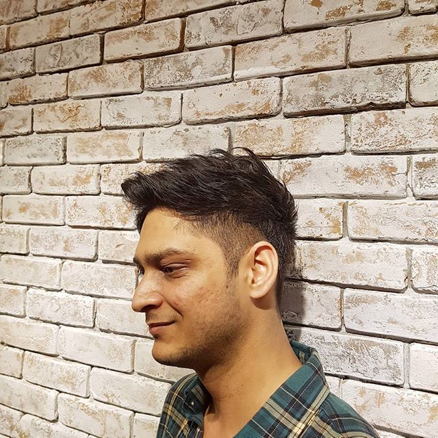 Swipe left to see both sides! Style by Mr Syn. Thank you for coming! . . . . . . . . #barber #barberlife #barbershop #japanesebarber #バーバーショップ #理容師 #理容店 #mens #menshair #メンズヘア #メンズヘアスタイル #barbering #sgbarber #barbersg  #thebarberpost #barbernation #malegrooming #mensfashion #mensstyle #menstyle #barberstokyo #singapore #シンガポール #💇🏻‍♂ #haircut #hair