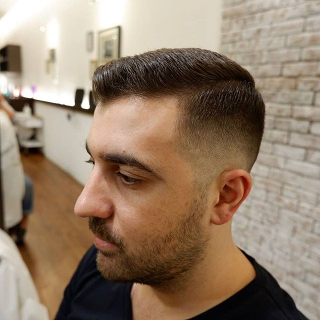 Swipe left to see both sides! . . . . . . . . #barber #barberlife #barbershop #japanesebarber #バーバーショップ #理容師 #理容店 #mens #menshair #メンズヘア #メンズヘアスタイル #barbering #sgbarber #barbersg  #thebarberpost #barbernation #malegrooming #mensfashion #mensstyle #menstyle #barberstokyo #singapore #シンガポール #💇🏻‍♂ #haircut #hair #singaporebarber