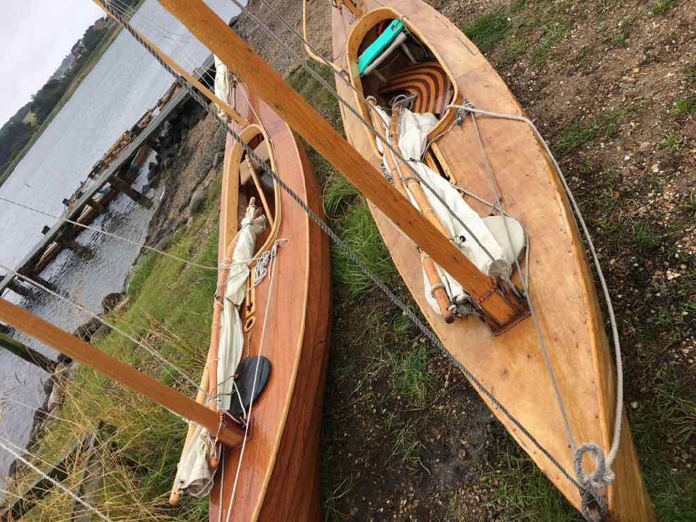 canoes02.jpg