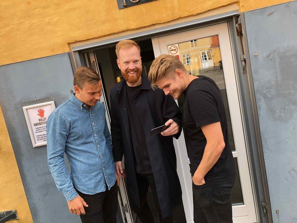 Andreas og gutterne er tilfredse med dagens arbejde i Pakhuset
