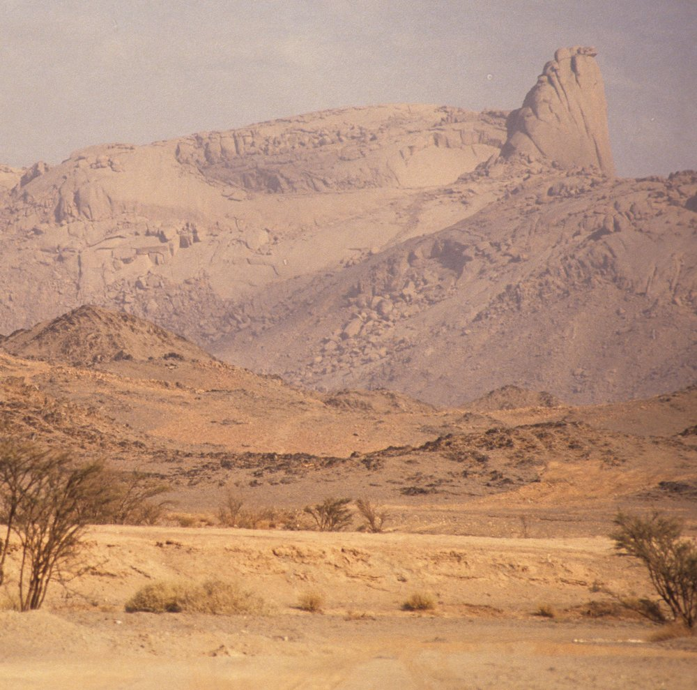 Hogar mountains in the middle of the Sahara desert - getting there requires talent; finding your way there requires knowledge