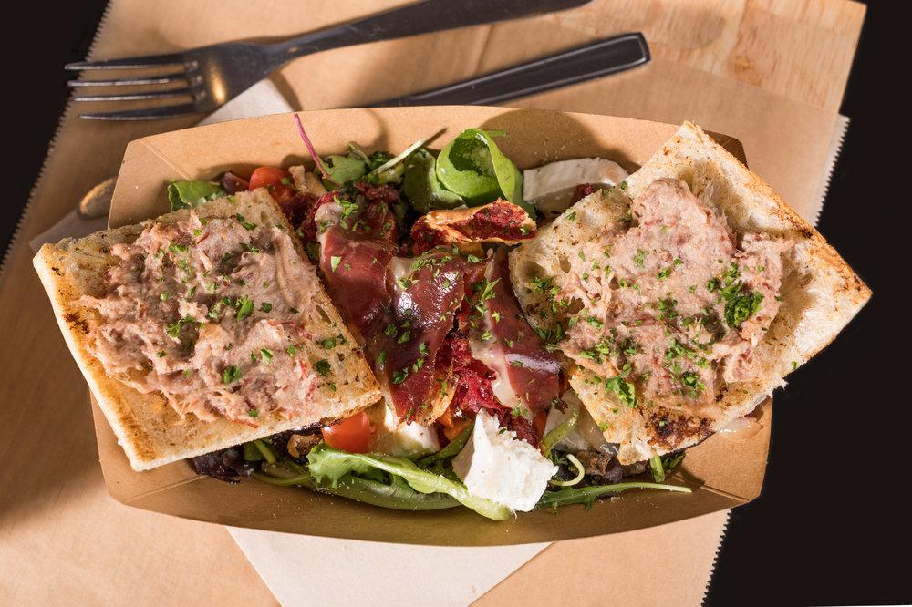 canard street lille meilleur restaurant magret salade.JPG