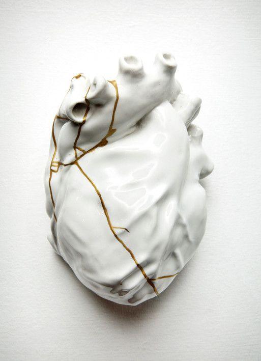Отремонтированное сердце от TJ Volonis, керамика, золото 24 карата  источник
