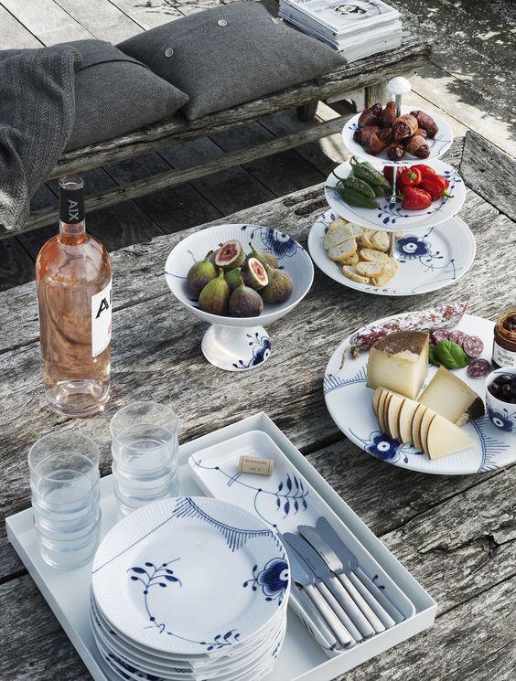 посуда королевского фарфорового завода Royal Copenhagen  источник
