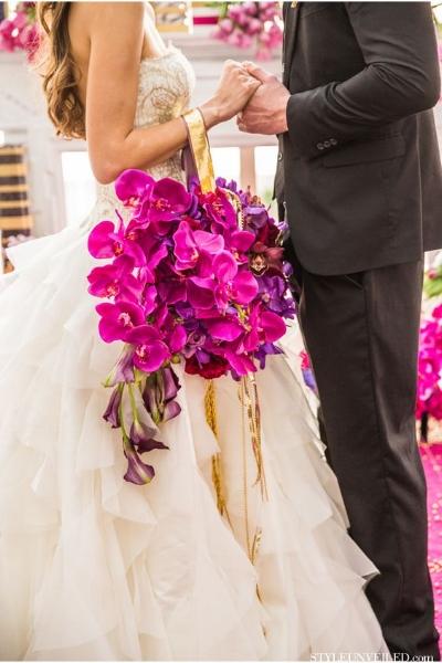 большой свадебный букет помандер с орхидеями
