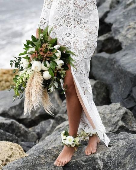 красивый букет невесты для пляжной свадьбы
