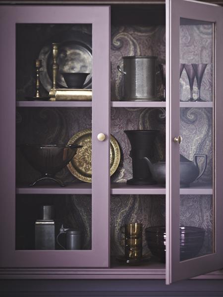 шкаф Икеа, покрашенный в фиолетовый цвет  источник