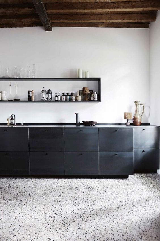 светлые полы на кухне  источник