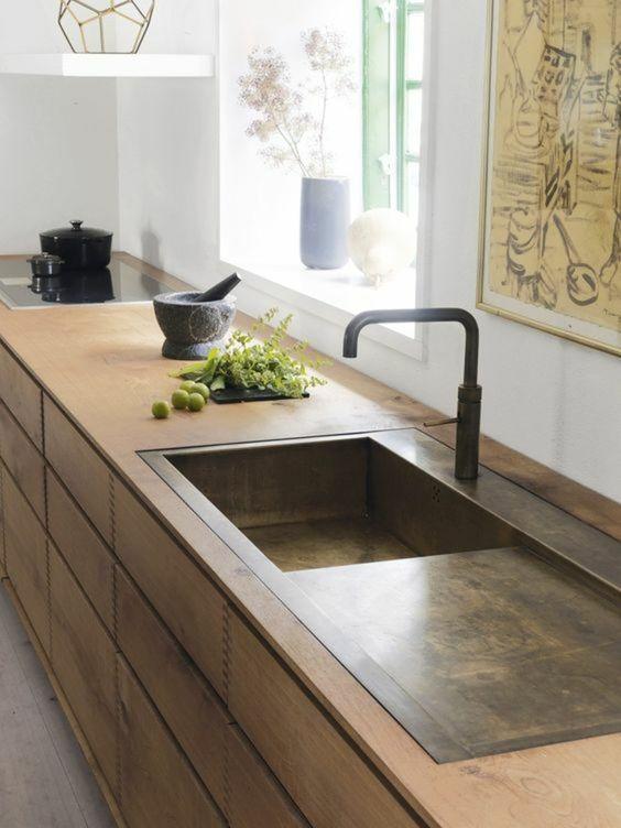 кухоннай раковина с отсеком для чистой посуды со сливом  источник