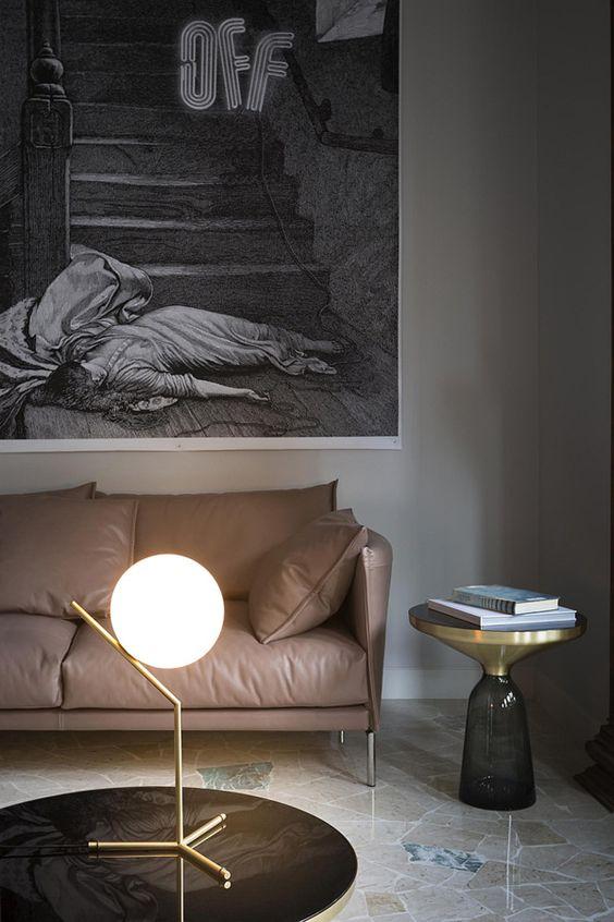 настольный светильник из латуни со стеклянным плафоном  источник